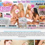 Hot Teens Kissing Hub